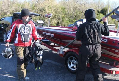 Asian carp remain in West Tennessee