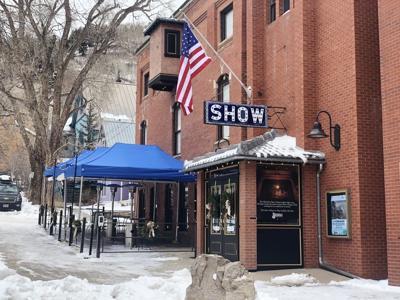 Show bar