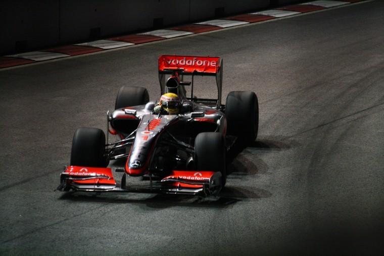 Lewis Hamilton at the 2009 Singapore Grand Prix