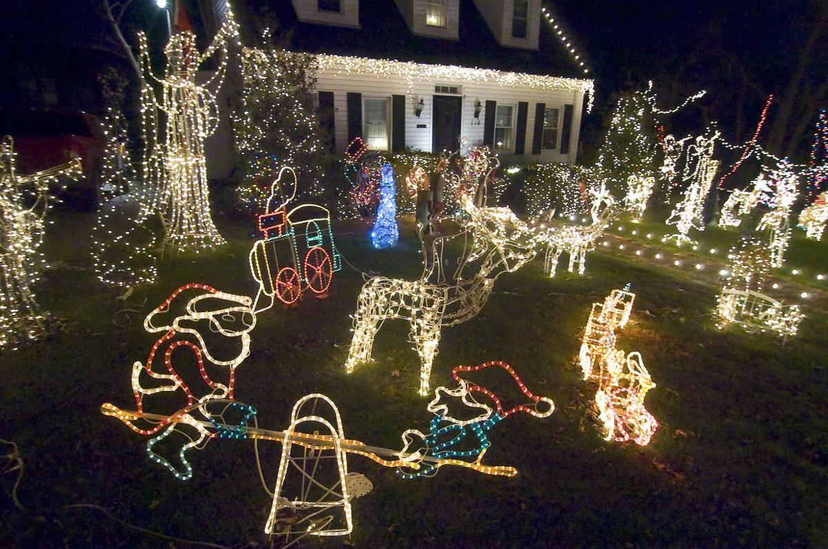 Christmas Lights 110 W 18th C.jpg
