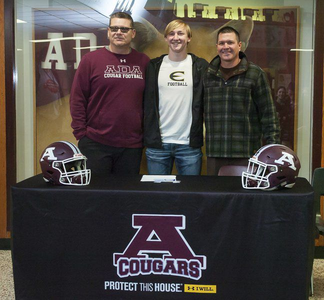 Ada's Odom inks with Emporia State