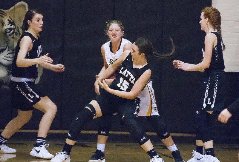 Latta Panthers sweep past Roff