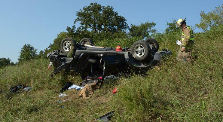 Stonewall woman injured in single-vehicle wreck | Local News