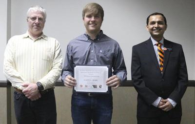 Henry receives Science Fund Scholarship