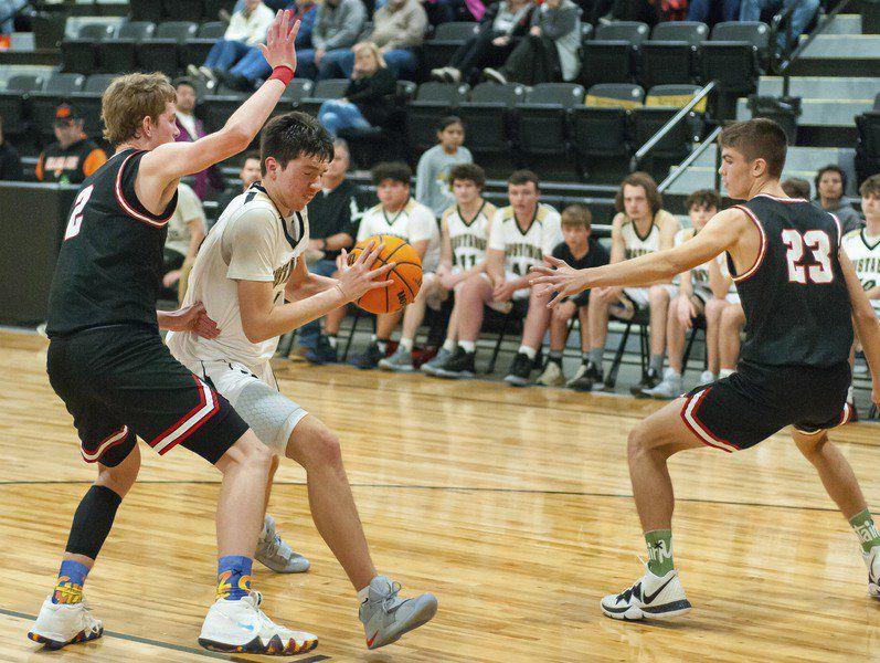 Allen boys pull away from Silo