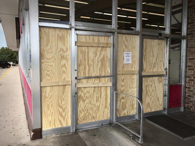 Local supermarket burglarized, vandalized