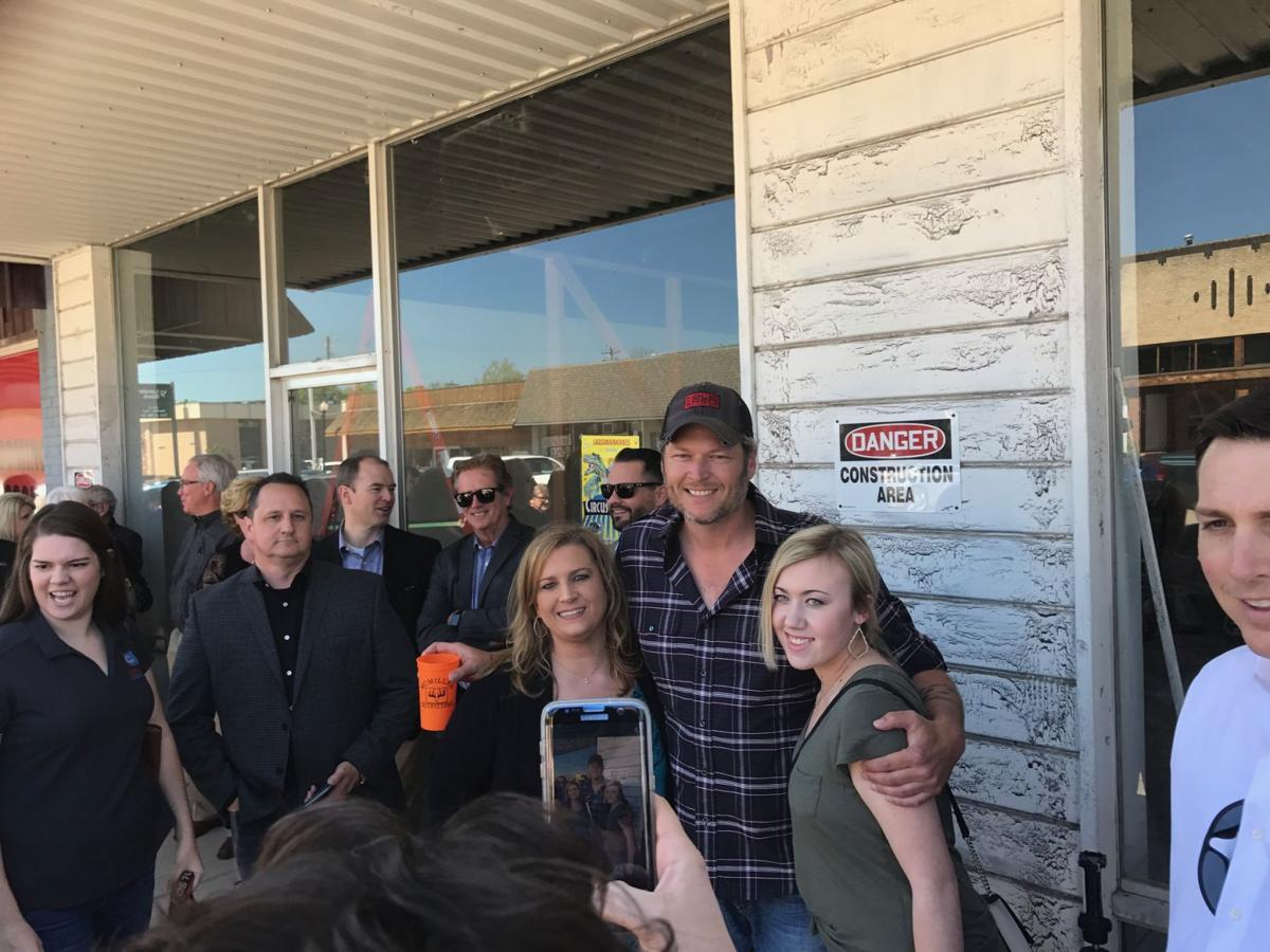 Blake shelton opening restaurantbar in tishomingo news blake shelton takes a minute to meet with fans in downtown tishomingo monday as he and others announced a new restaurant bar there called ole red kristyandbryce Image collections