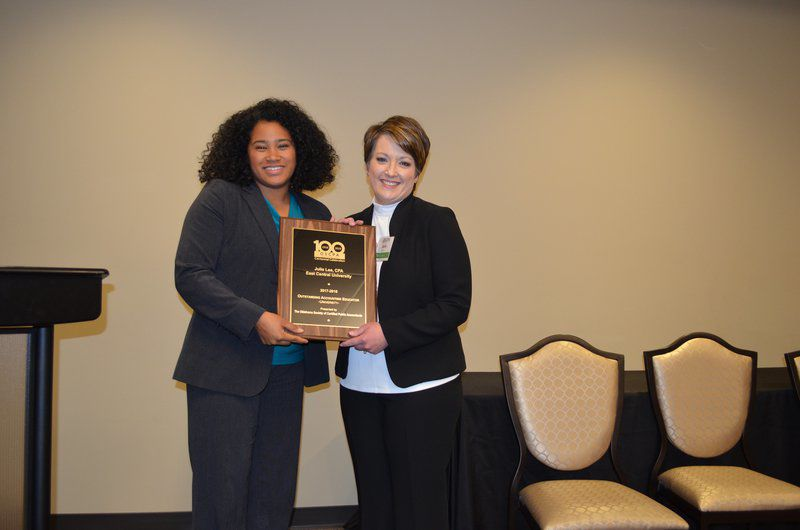 ECU professor wins educator award