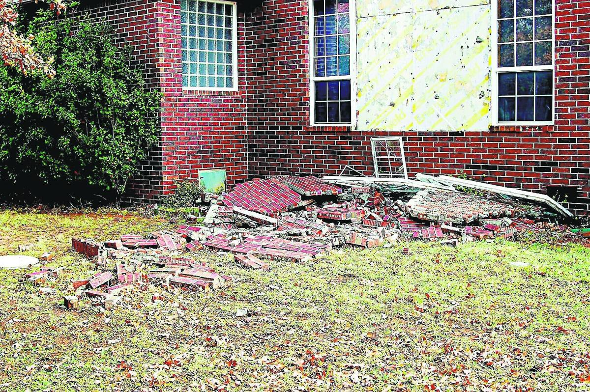 Earthquake damage in Lincoln County