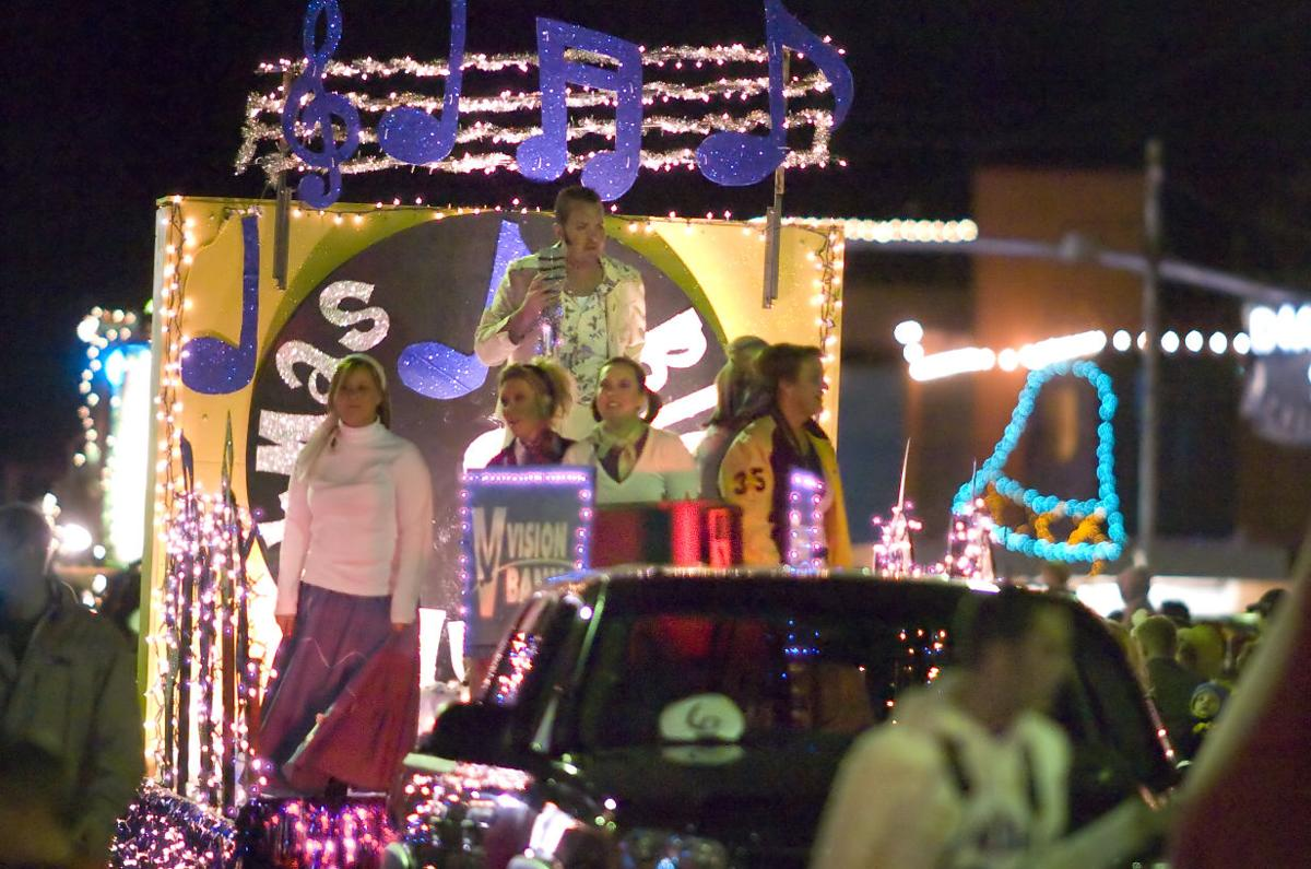 Parade of Lights 2010 01 C.jpg