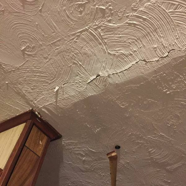 Enid resident finds quake damage