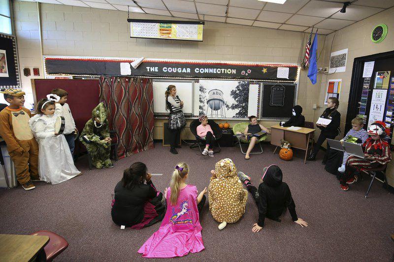 Washington students host Halloween talk show