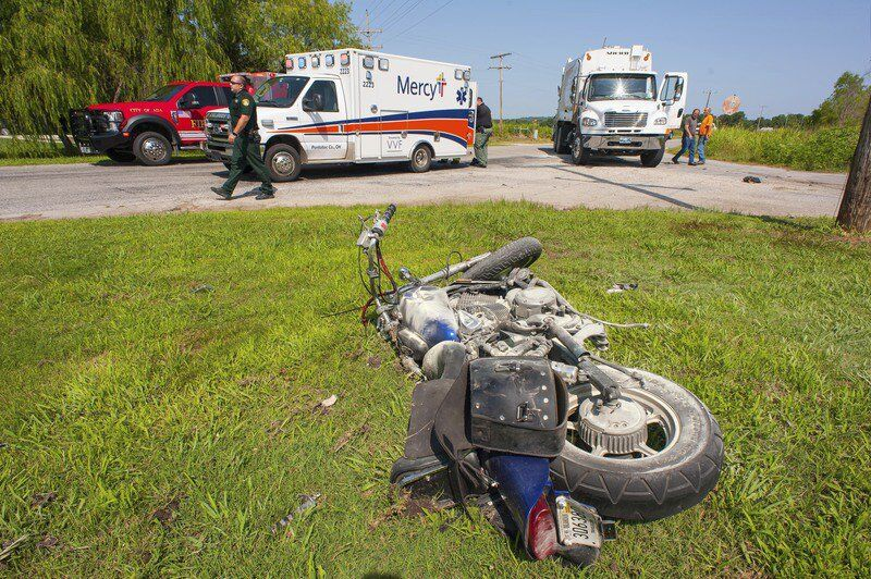 Motorcyclist injured in Tuesday morning crash