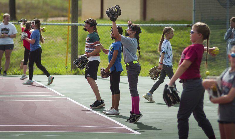 Byng hosts softball camp