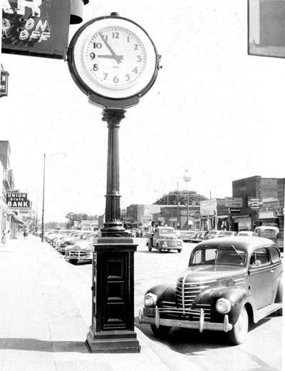 Old-Photo-Clock-WEB.jpg