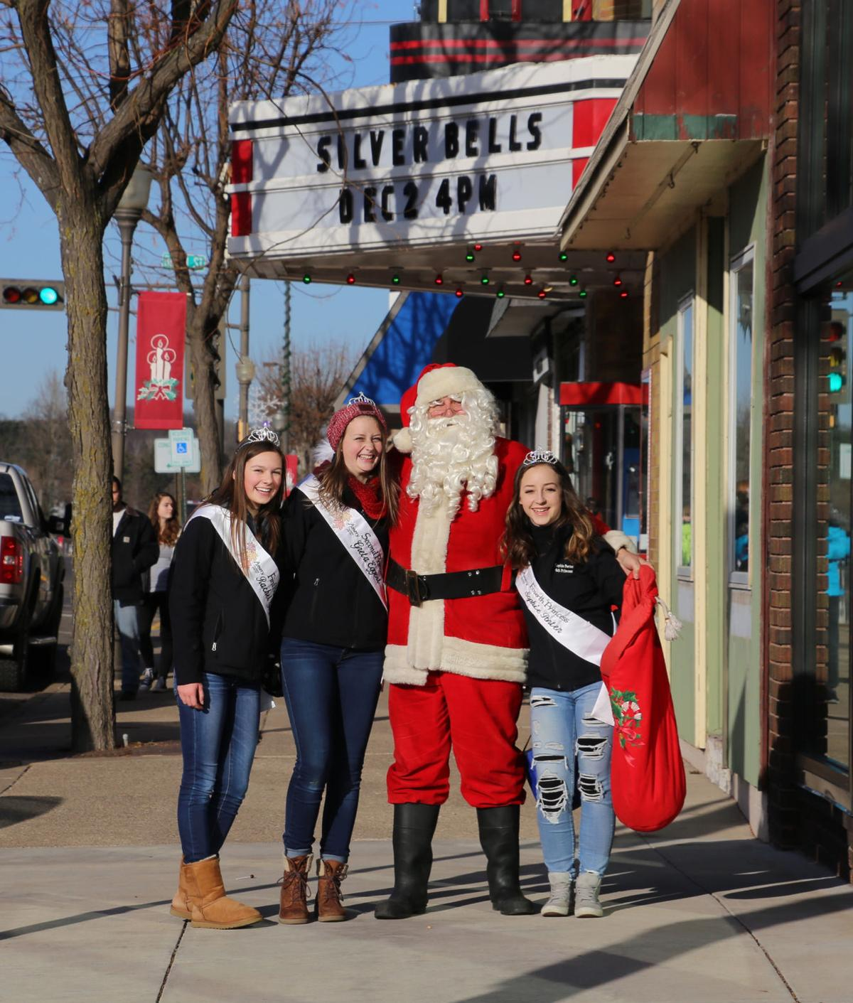 Santa with girls.jpg
