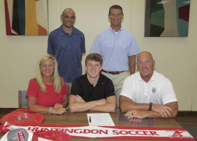 Cole Simmons headed to Huntingdon College