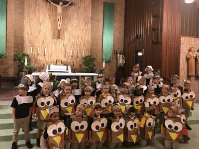 Students Hold Thanksgiving Prayer Service