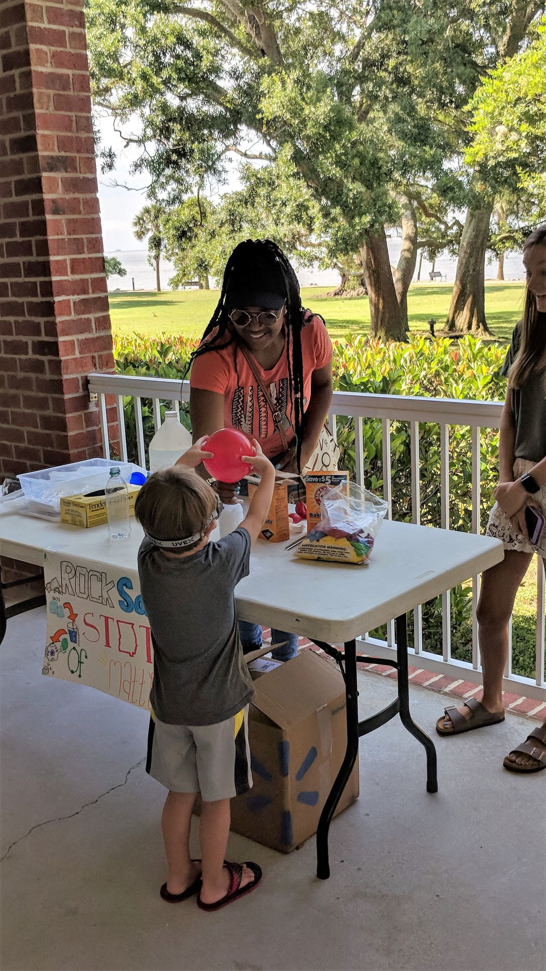 College of Coastal Georgia students and community kids rock with STEM