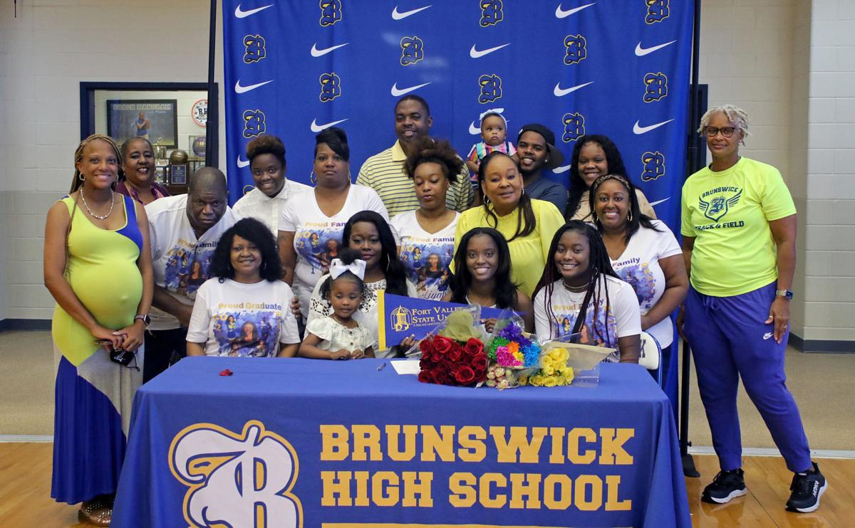 BHS_Austell_signing_009