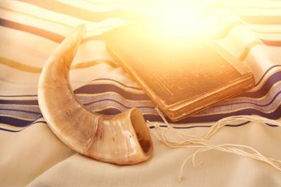 Abstract,Image,Of,Prayer,Shawl,-,Tallit,,Jewish,Religious,Symbol