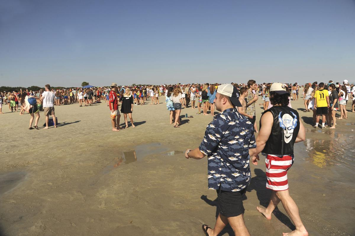 Frat Beach Event Attracts Hundreds Of Georgia Fans To Glynn