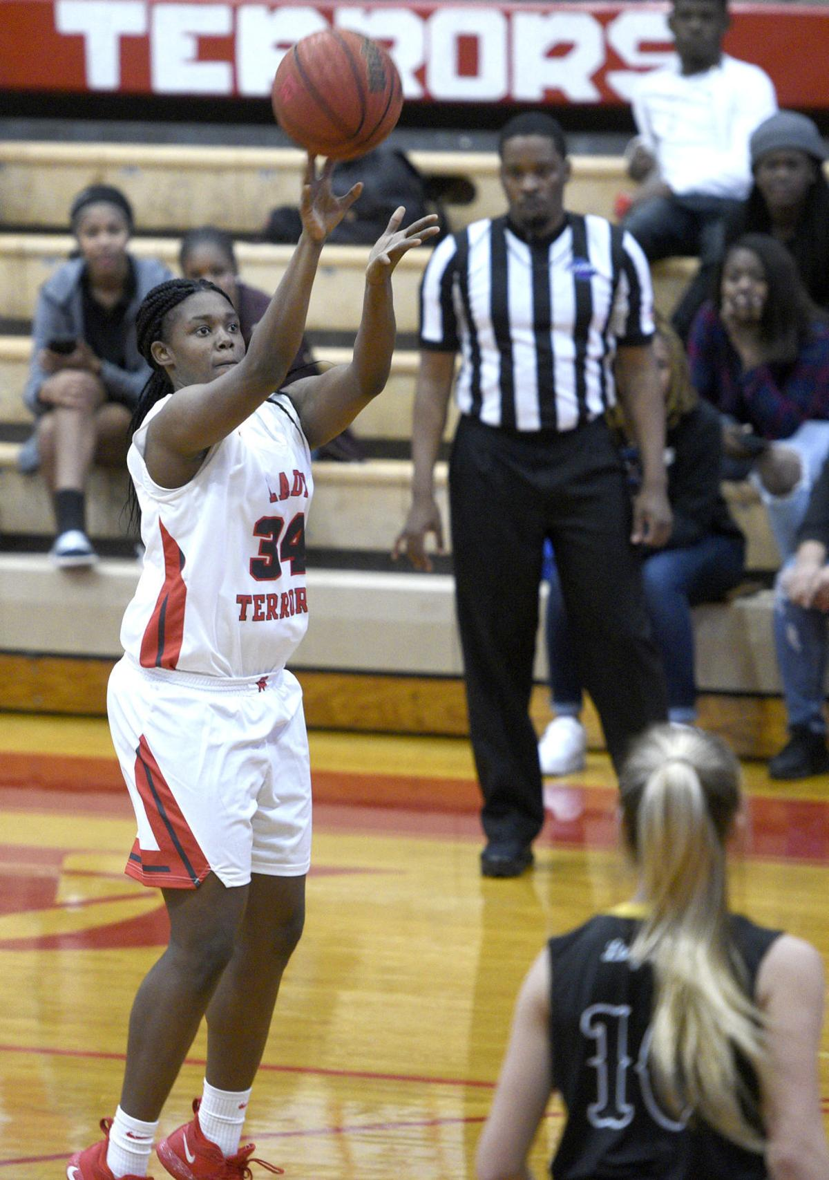 021619_ga evans girls basketball 1