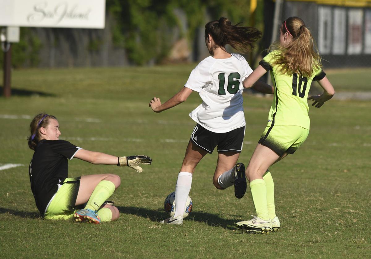 051218_fa vs holy spirit girls soccer 8