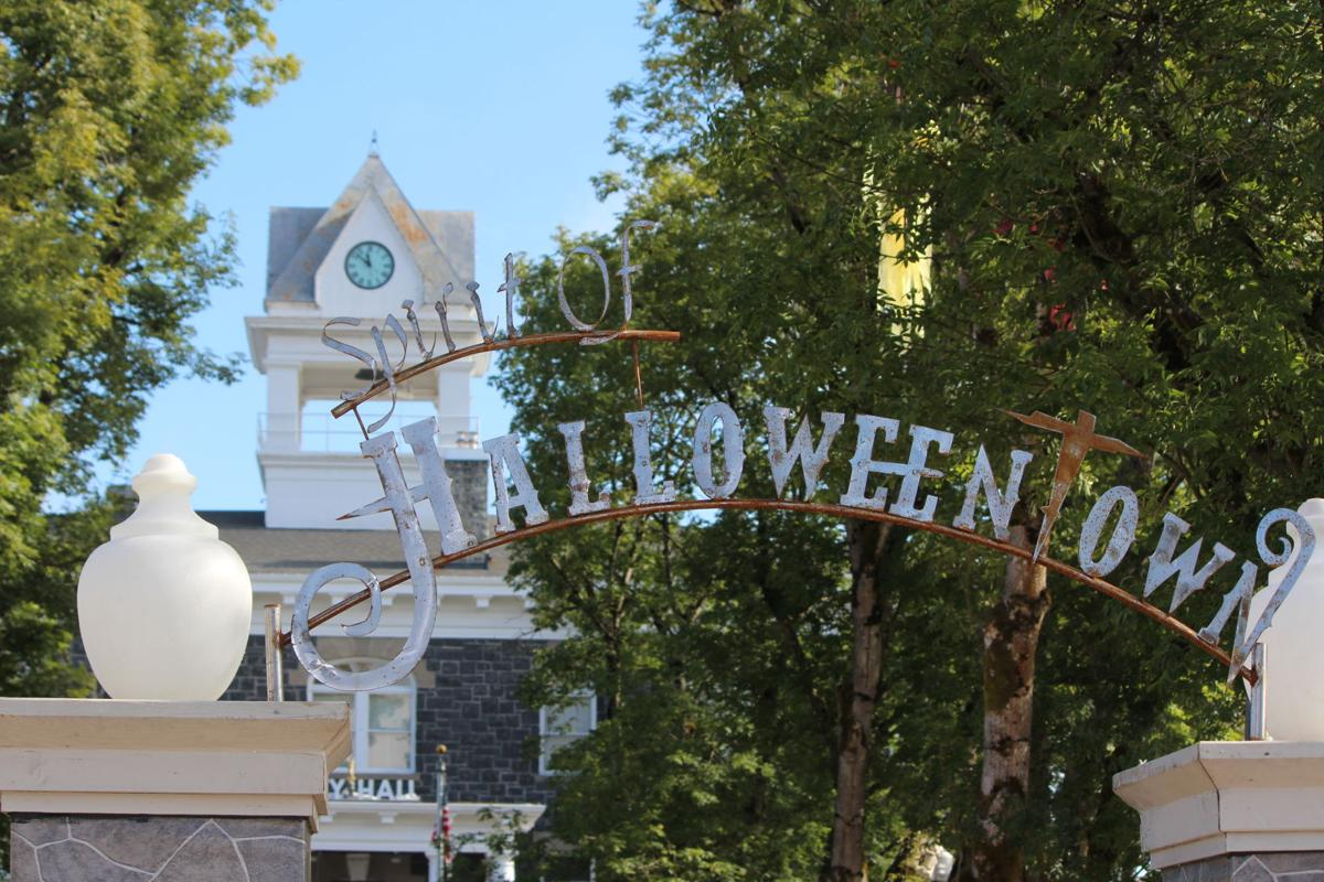 spirit of halloweentown sign