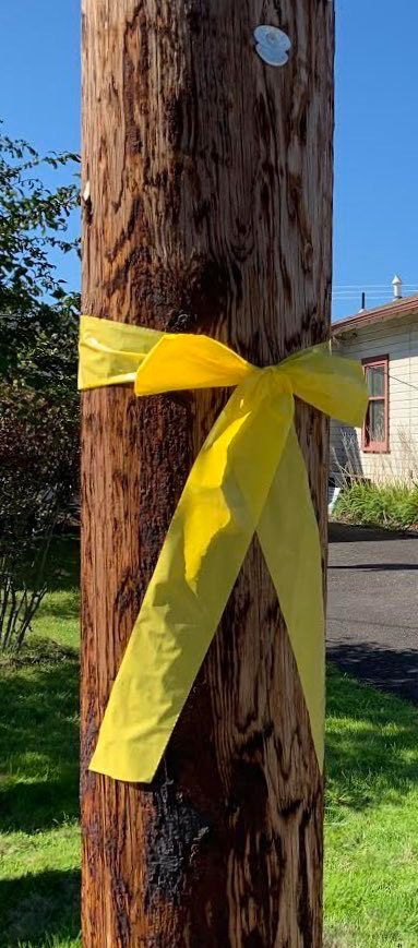 Yellow Ribbons in St. Helens