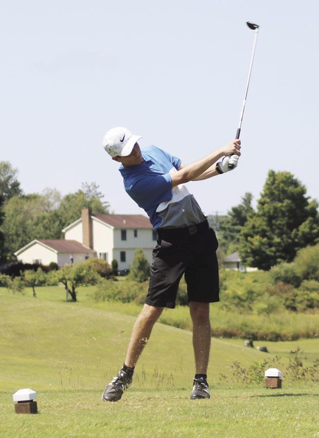 Golf season begins