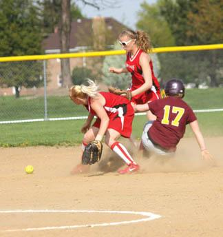 Lady Grapepickers split double header with General McLane, fall to first place Fairview as softball season winds down