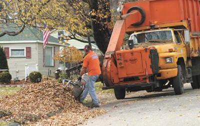 City removing leaves