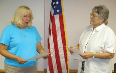 City controller takes oath of office
