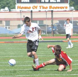 Corry boys drop first match to Girard, 2-1