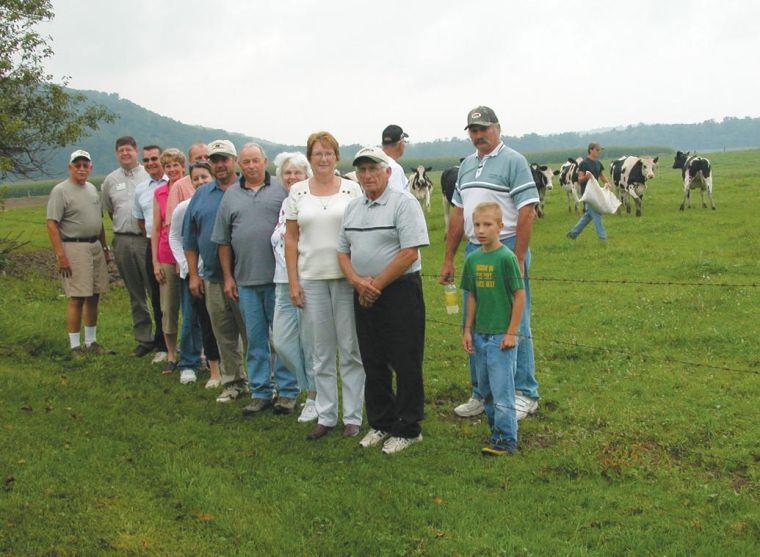 Farmers, politicians discuss sour milk prices