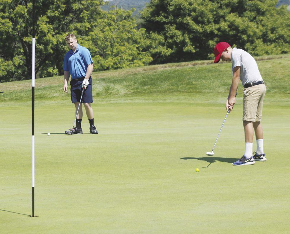 Golf season starts