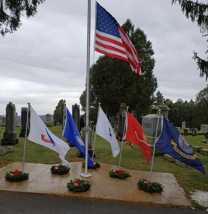 2018 flags and wreathes
