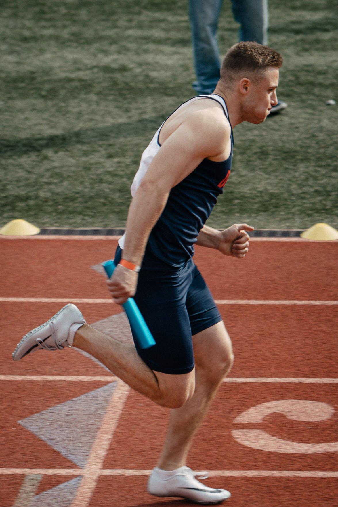 Ian Thrush 4x400 relay at CMU