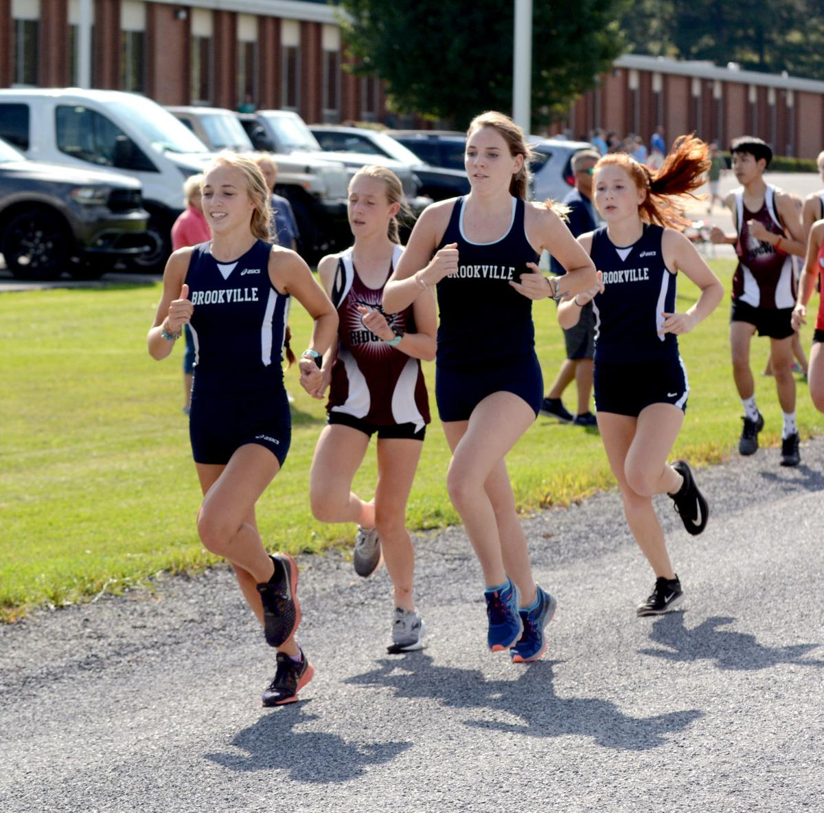 Fiscus leads pack cross country