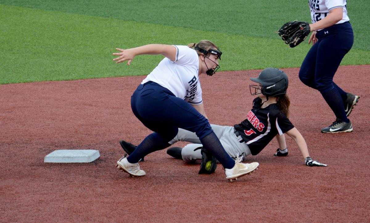 20190419-ce-sp Maddie Smith steal