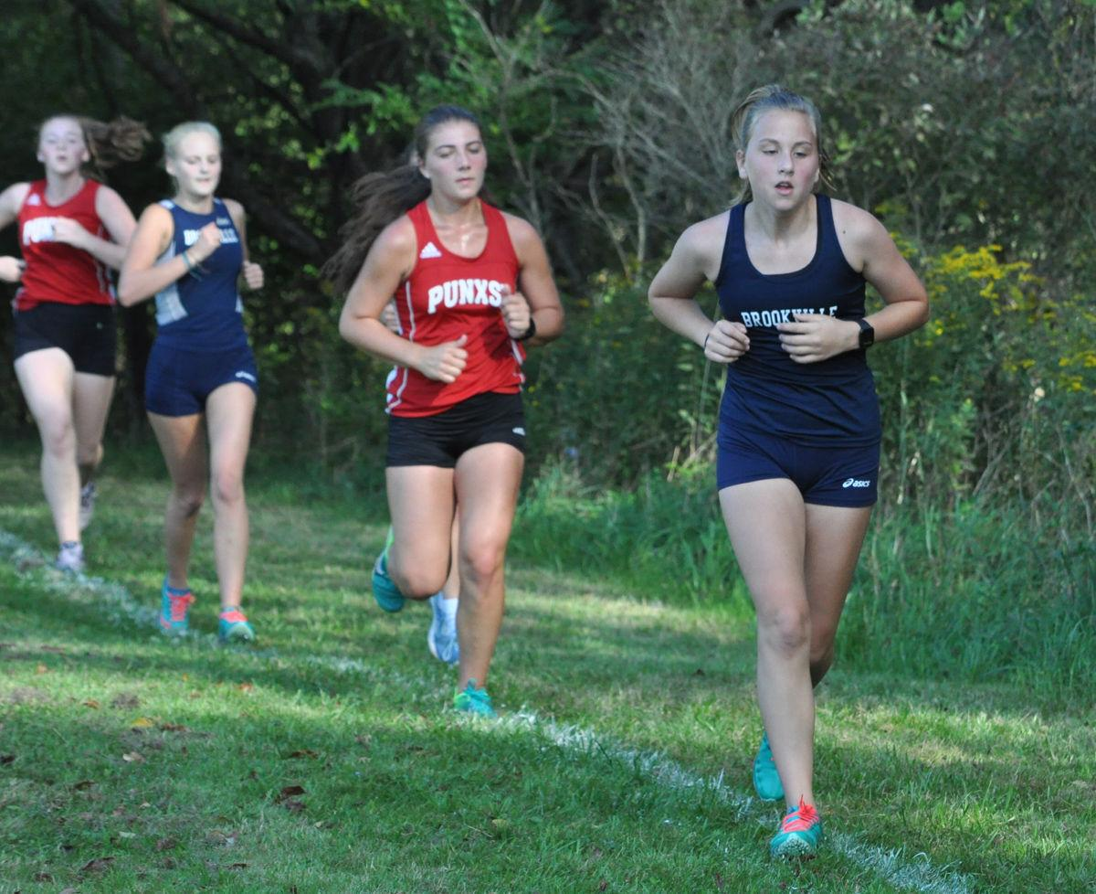 Amber McAninch cross country