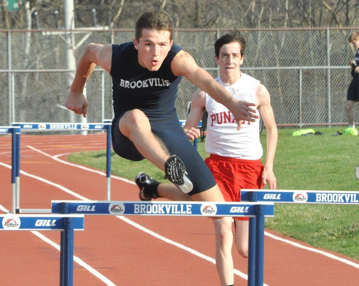 Ian Pete 300 hurdles