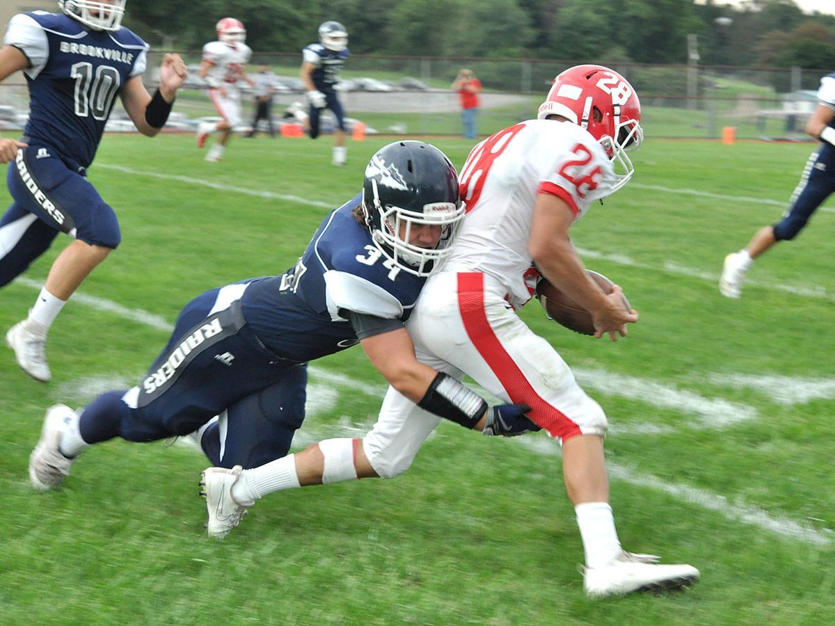 Cole LaBenne tackle vs. Punxsy