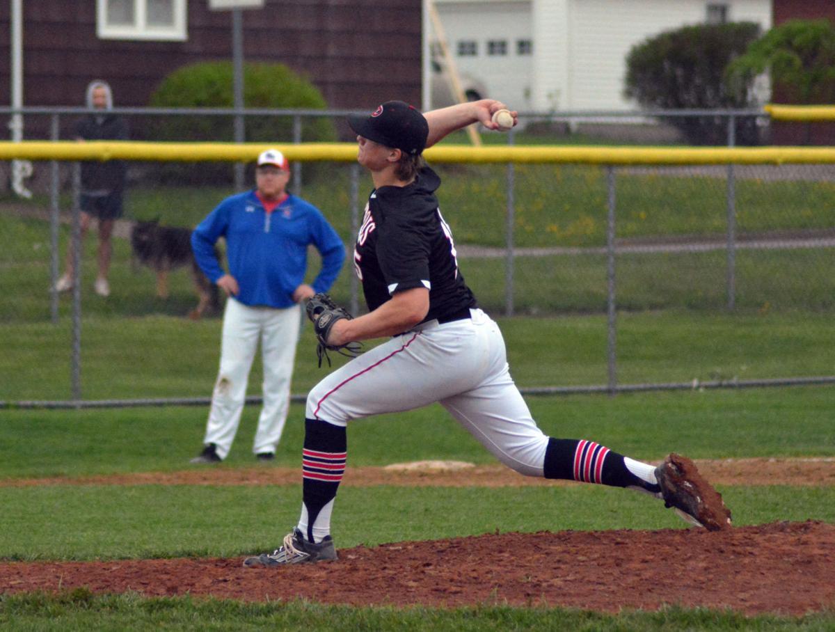 Brycen Dinkfelt pitching