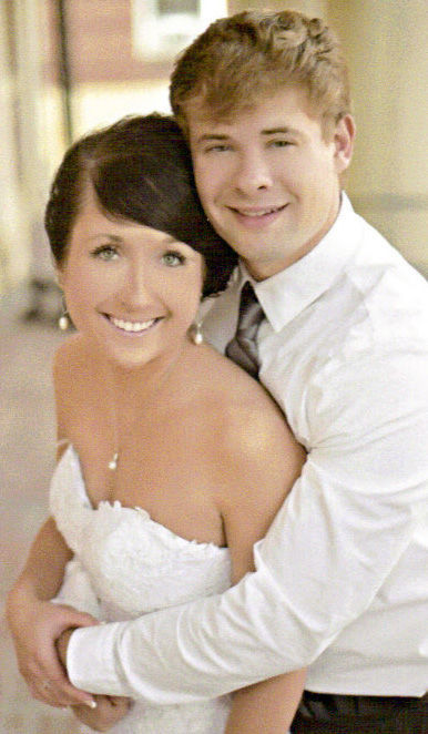 Hailee Pifer and Luke Fillhart wed