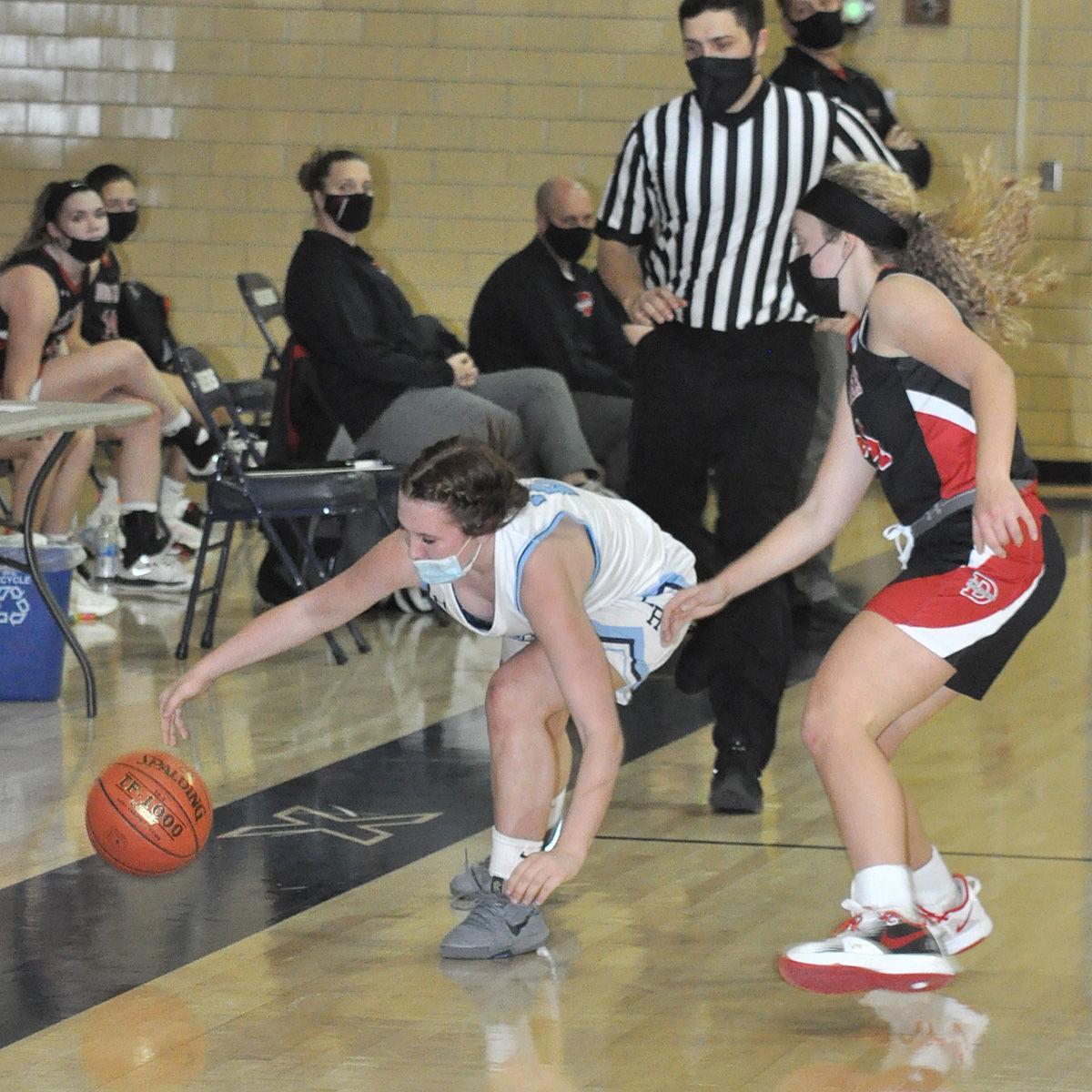 Elizabeth Wonderling ball save