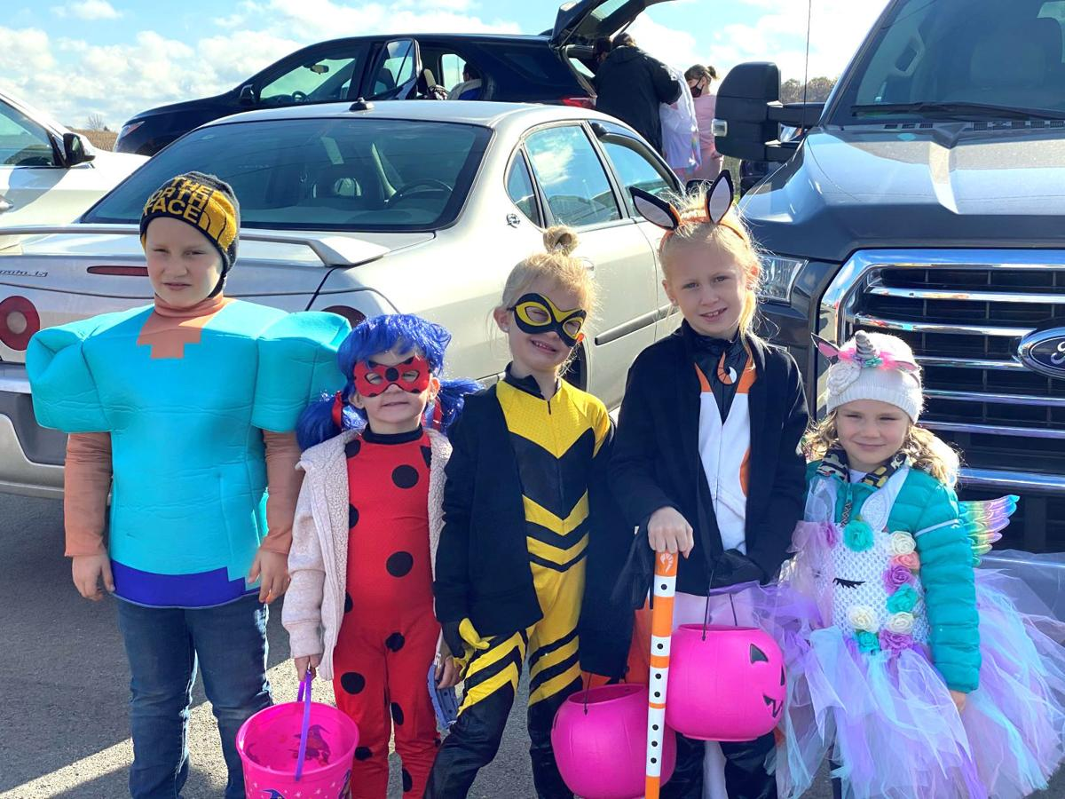 Kids in costume - clarion trunk or treat