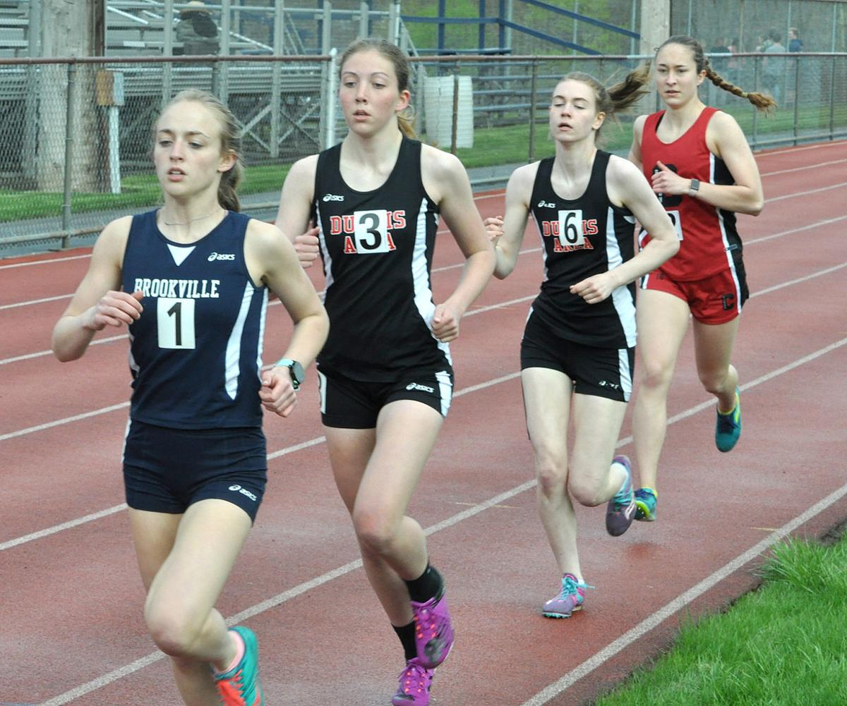 1600 girls run at Brookville