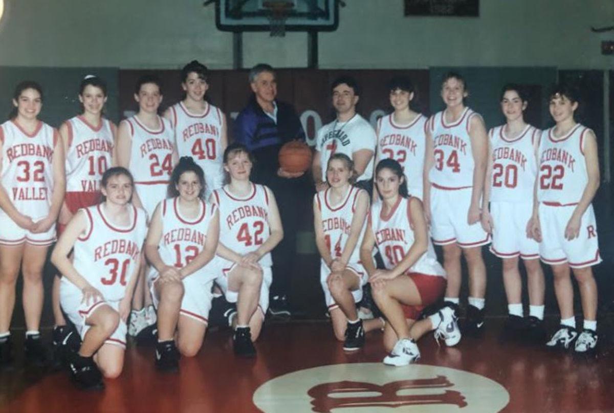 1992-93 Redbank Valley girls with Ernie Black